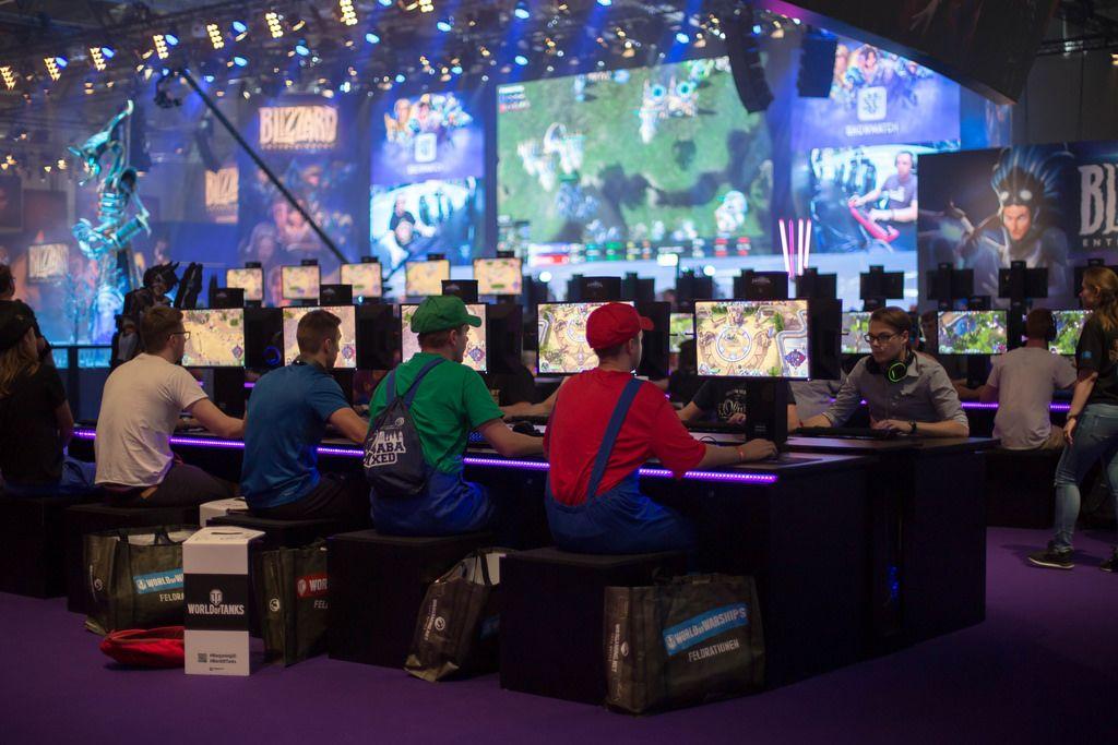 Mario und Luigi spielen Heroes Of The Storms