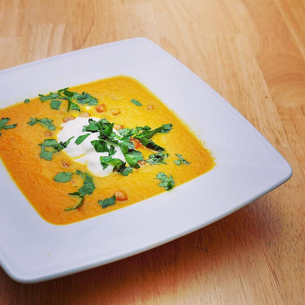 Marokkanische Karottensuppe mit gerösteten Kichererbsen #hellofresh #hellofreshgewinnspiel #soup