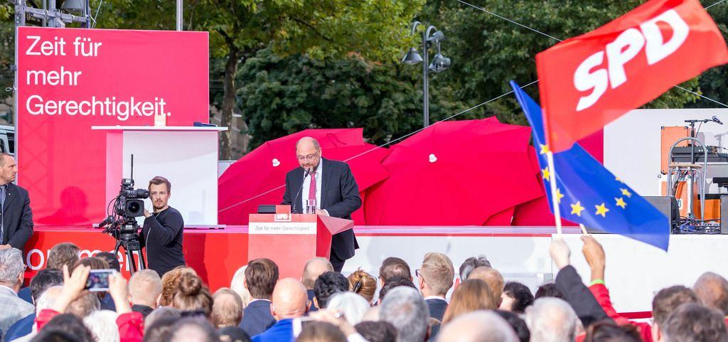 Martin Schulz auf SPD-Bühne: Zeit für mehr Gerechtigkeit