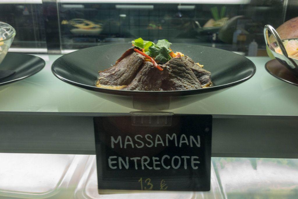 Massaman entrecote im Restaurant auf Mallorca