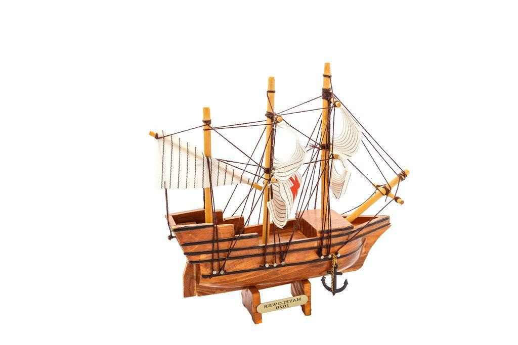 Mayflower ship isolated on white background (Flip 2019)