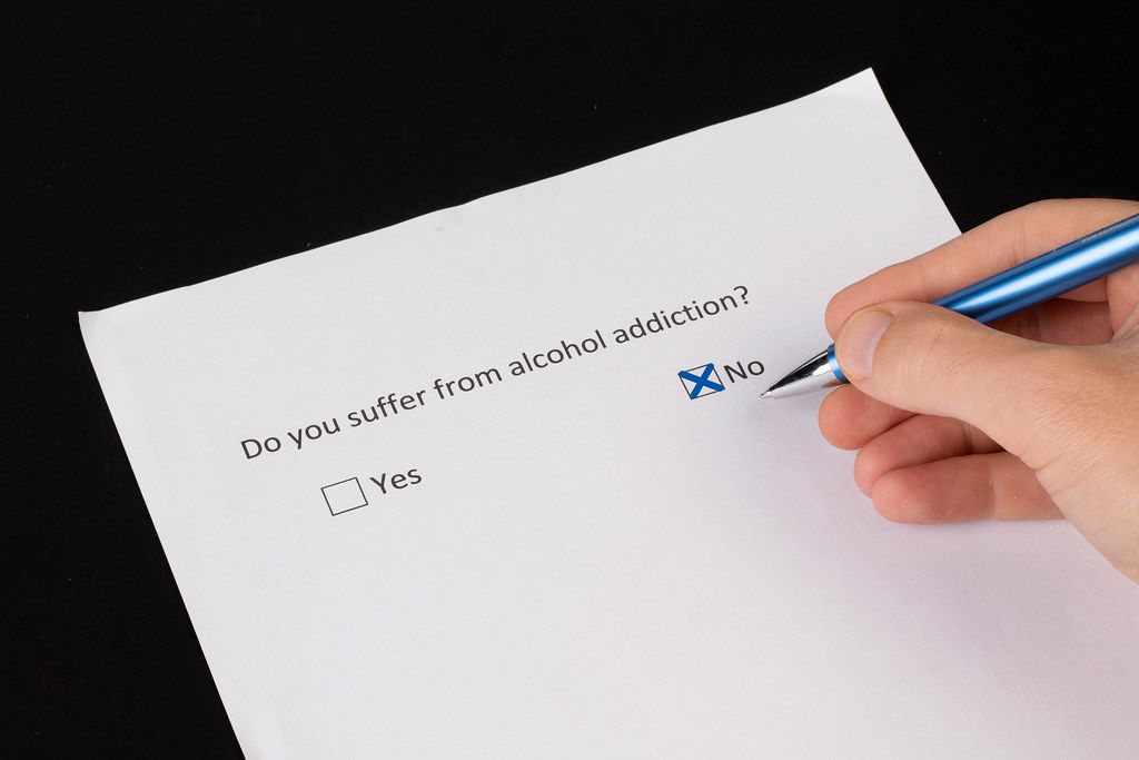 Men answering NO to the question if he suffer form alcohol addiction