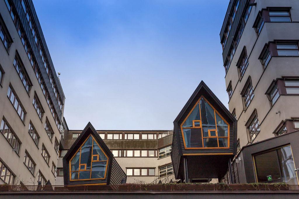 Mini-Häuse auf den Dächern Stockholms