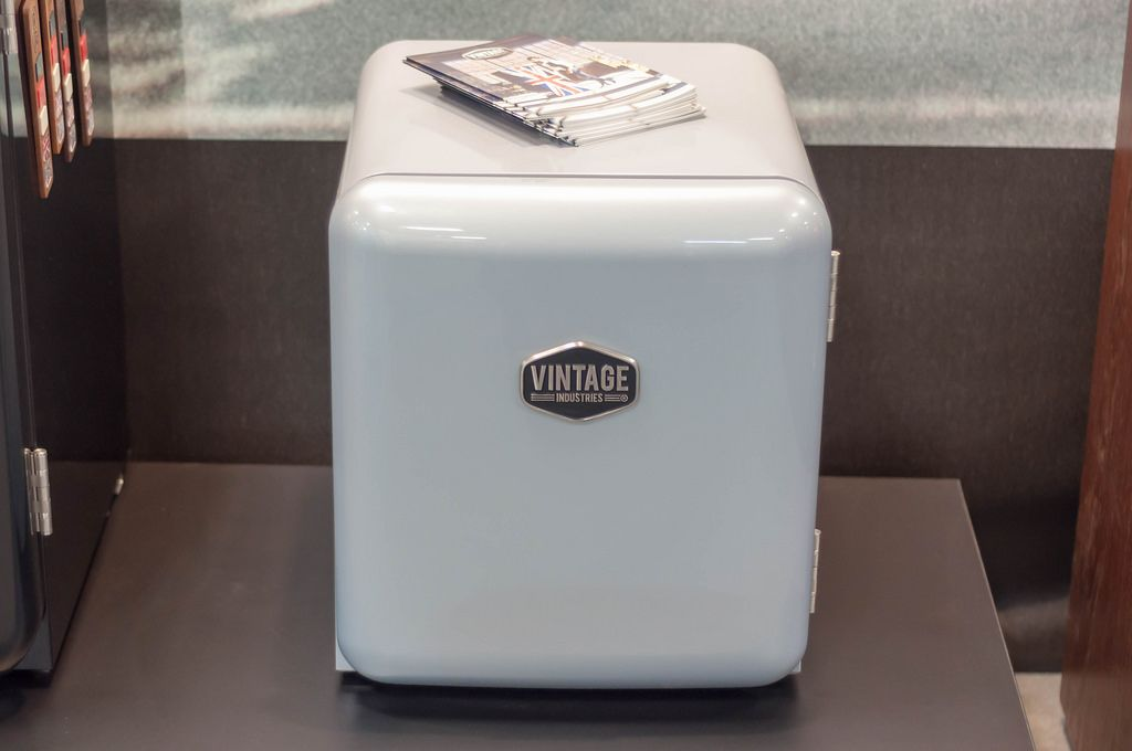 Mini Kühlschrank Vintage : Mini kühlschrank im retro design von vintage industries creative