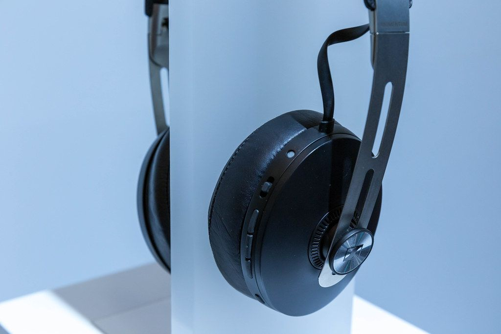 Momentum Wireless Headphones by Sennheiser, with Active Noise Cancellation, voice assistant and smart control app
