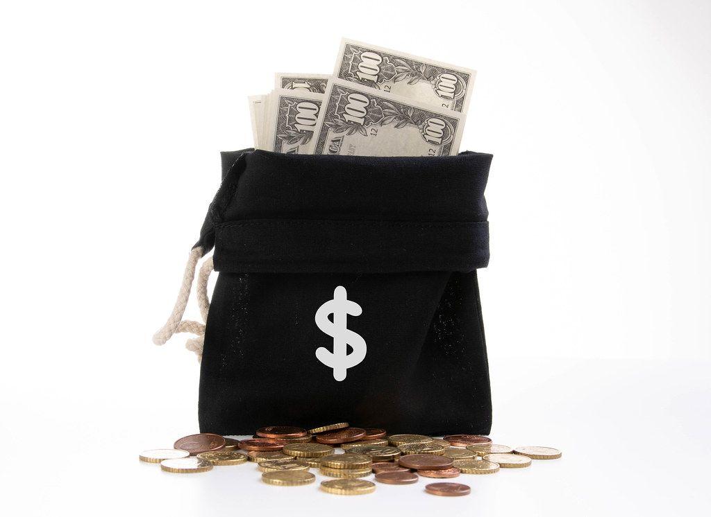 Piggy bank and money bag with euro symbol - Creative Commons Bilder