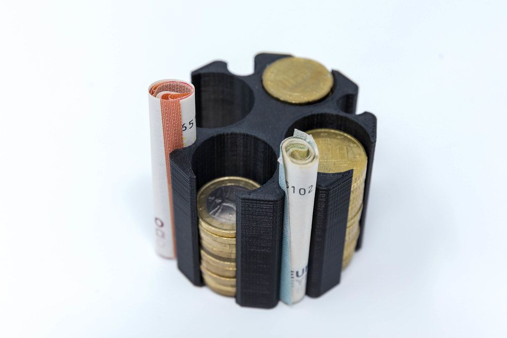 Money storage for coins and notes