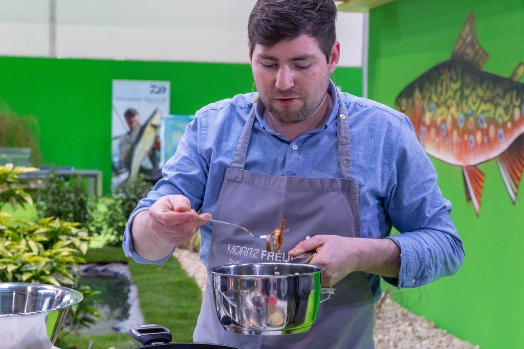 Moritz Freudenthal of kochen mit freude prepares meal in show kitchen