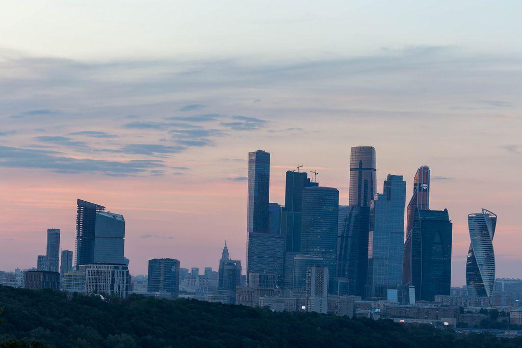 Moskauer Skyline bei Sonnenuntergang