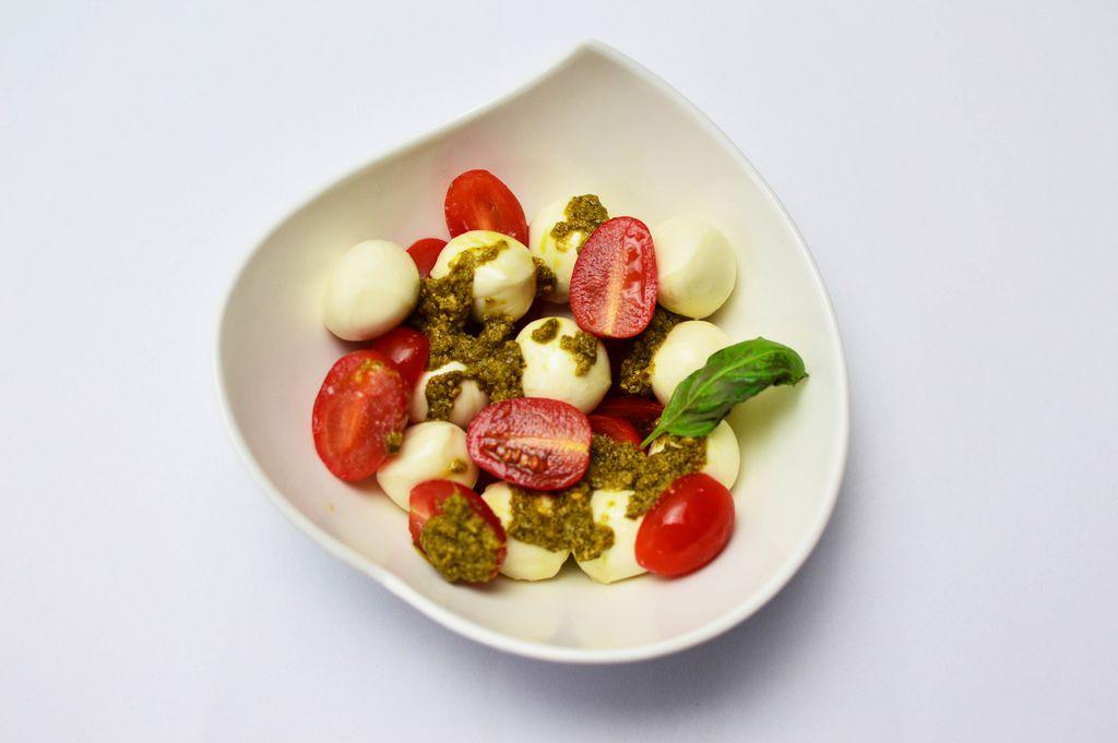 Mozarella with pesto and cherry tomatoes