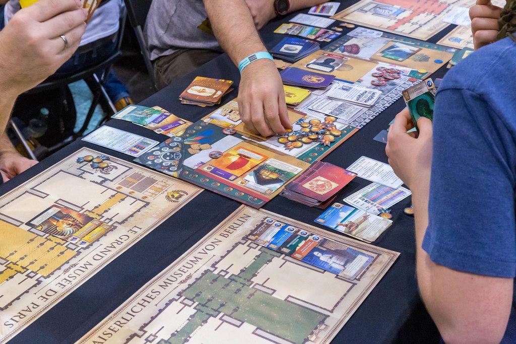 Museum Brettspiel wird von Messebesuchern auf der Spiel in Essen gespielt