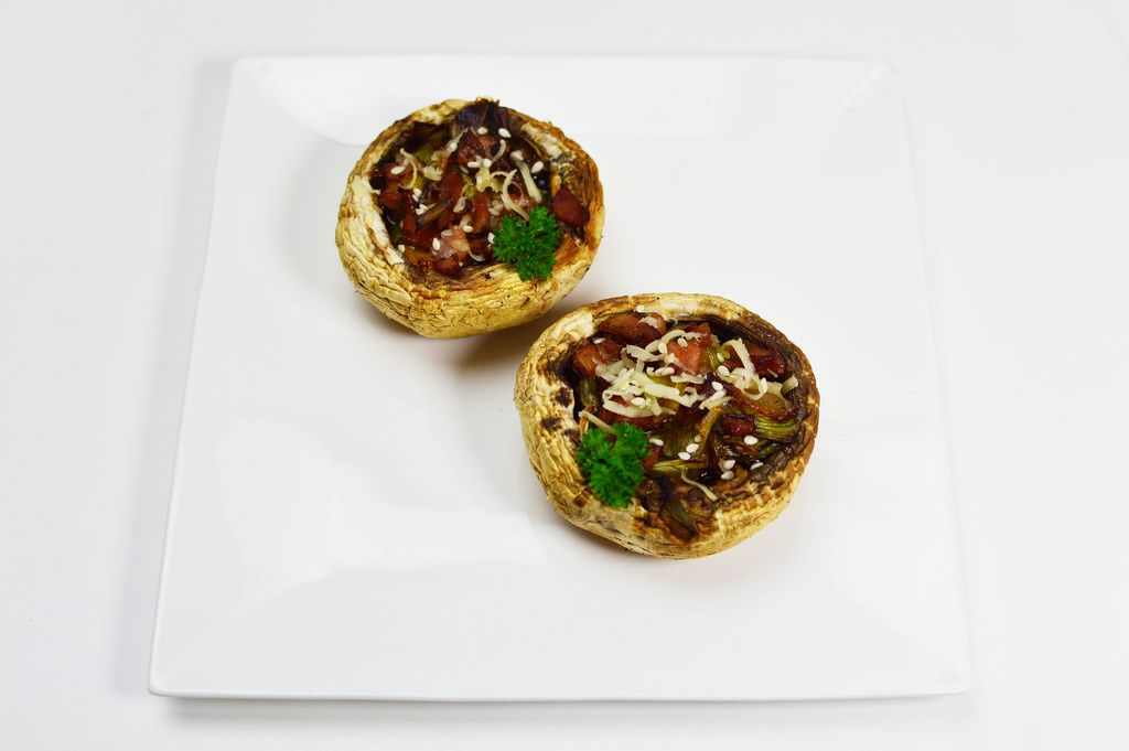 Mushrooms stuffed with meat and leek