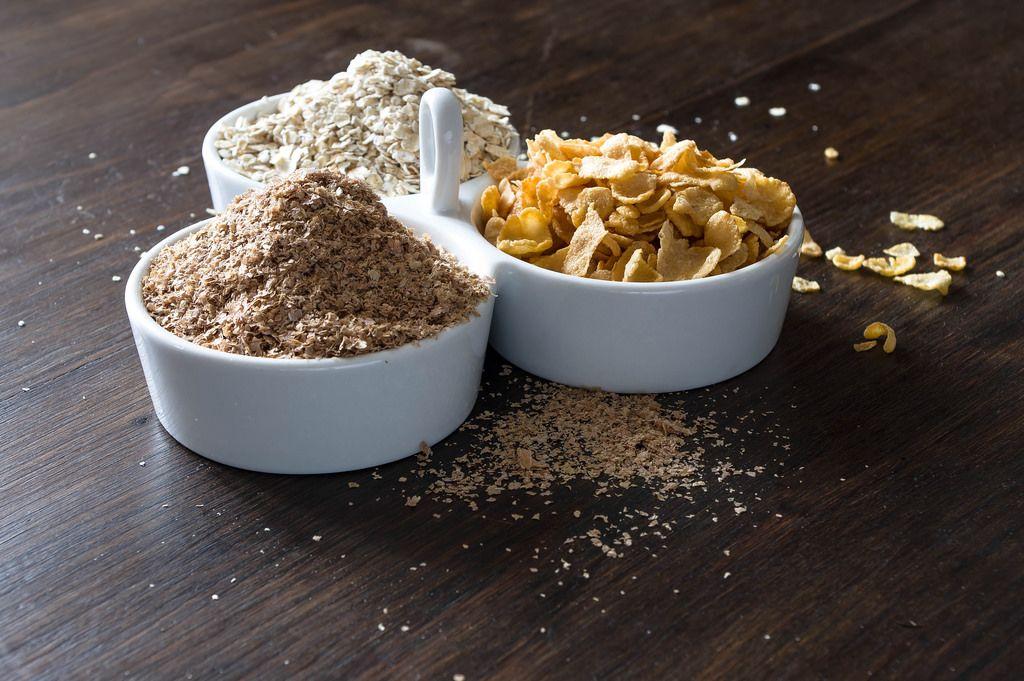 Müsli-Mischung: Dinkelflocken, Corn Flakes udn Haferflocken
