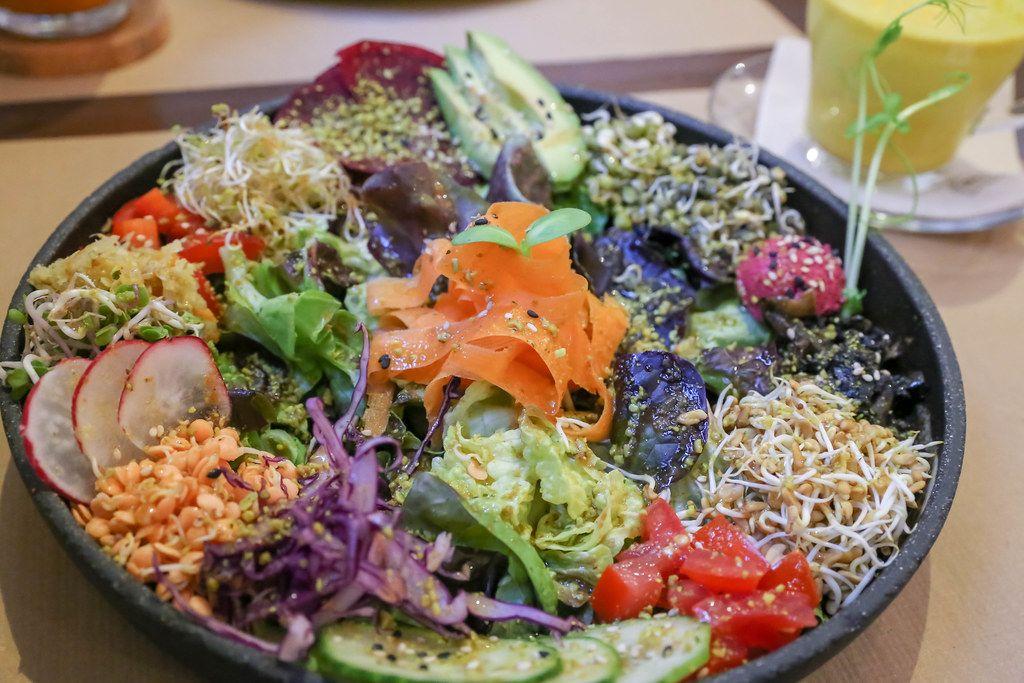 Nahaufnahme des bunten Salats