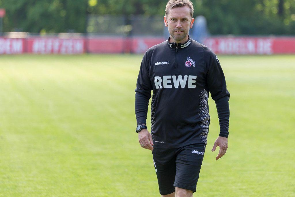 Nahaufnahme des neuen 1. FC Köln Fußballtrainers André Pawlak auf dem Trainingsplatz am Geißbockheim