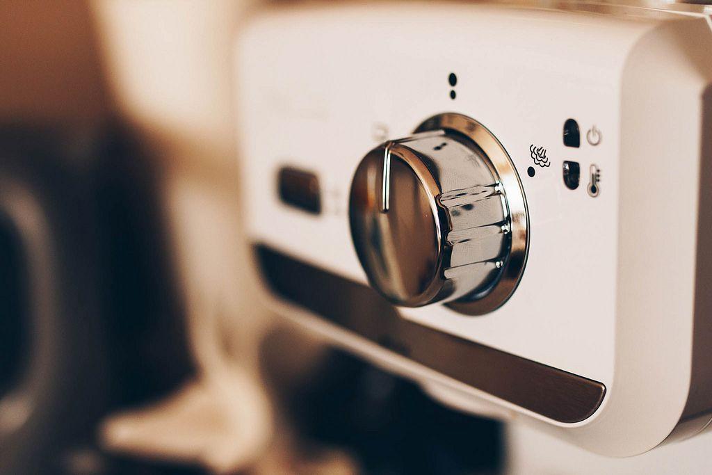 Nahaufnahme einer Espresso-Kaffeemaschine