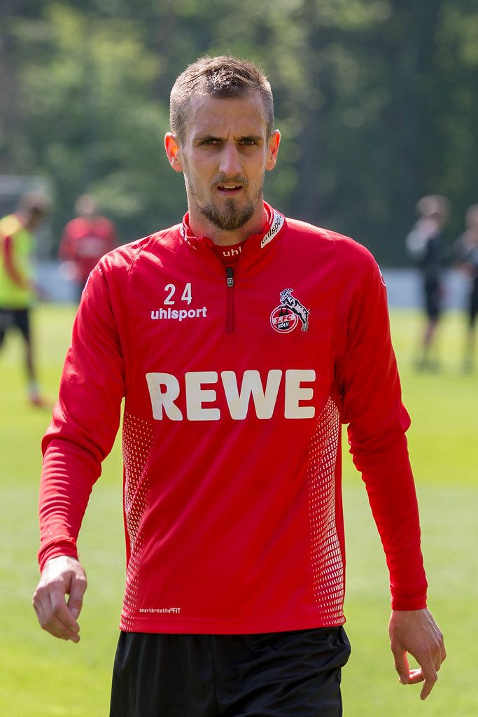 Nahaufnahme von Dominick Drexler während des Trainings mit dem neuen 1. FC Köln Fußballtrainer André Pawlak