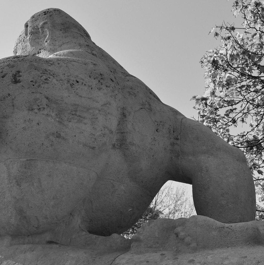 Neue Statuen in Lindenthal