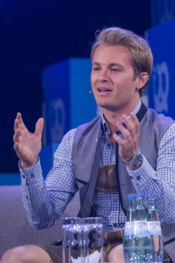 Nico Rosberg beschreibt bei einem Interview