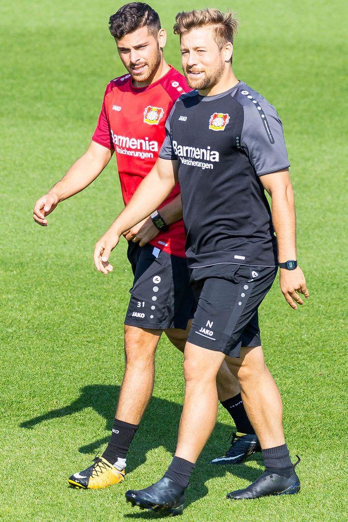 Nico Schneck und Kevin Volland beim Training - Bayer 04 Leverkusen