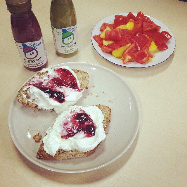 Nom nom. #breakfast #instapic #picoftheday #fresh #veggie #marmelade #instafood #healthy #breakfast