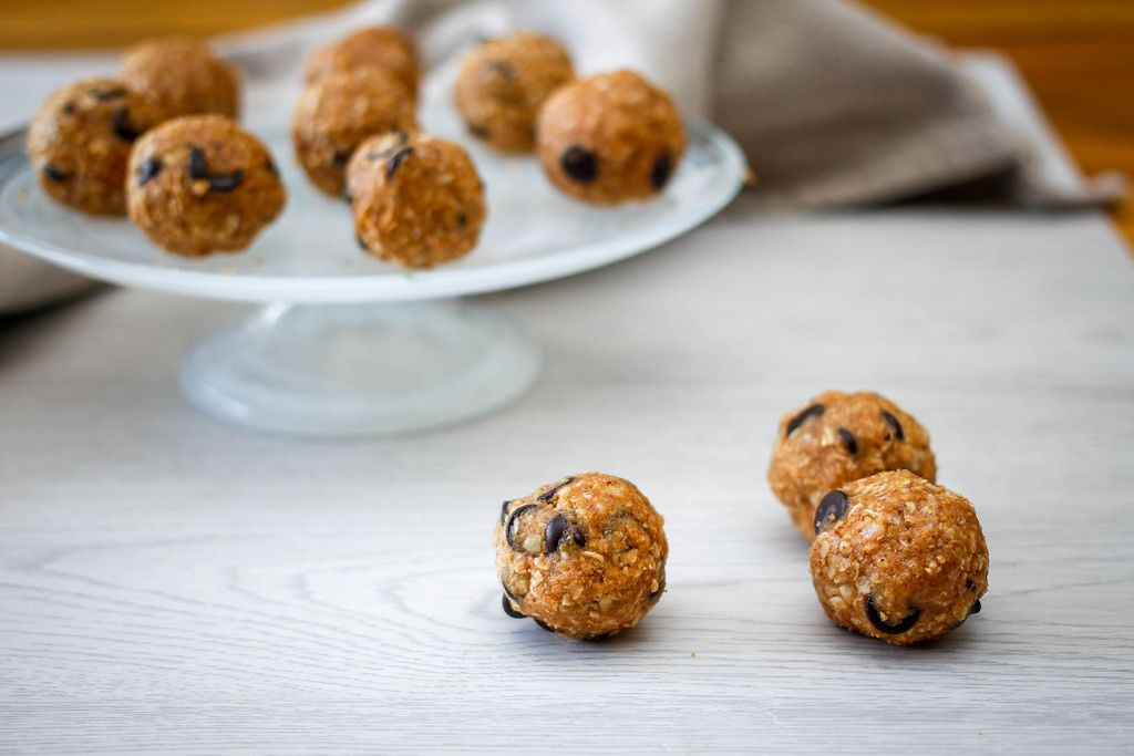 Oatmeal Energy Bites  with Chocolate Chips
