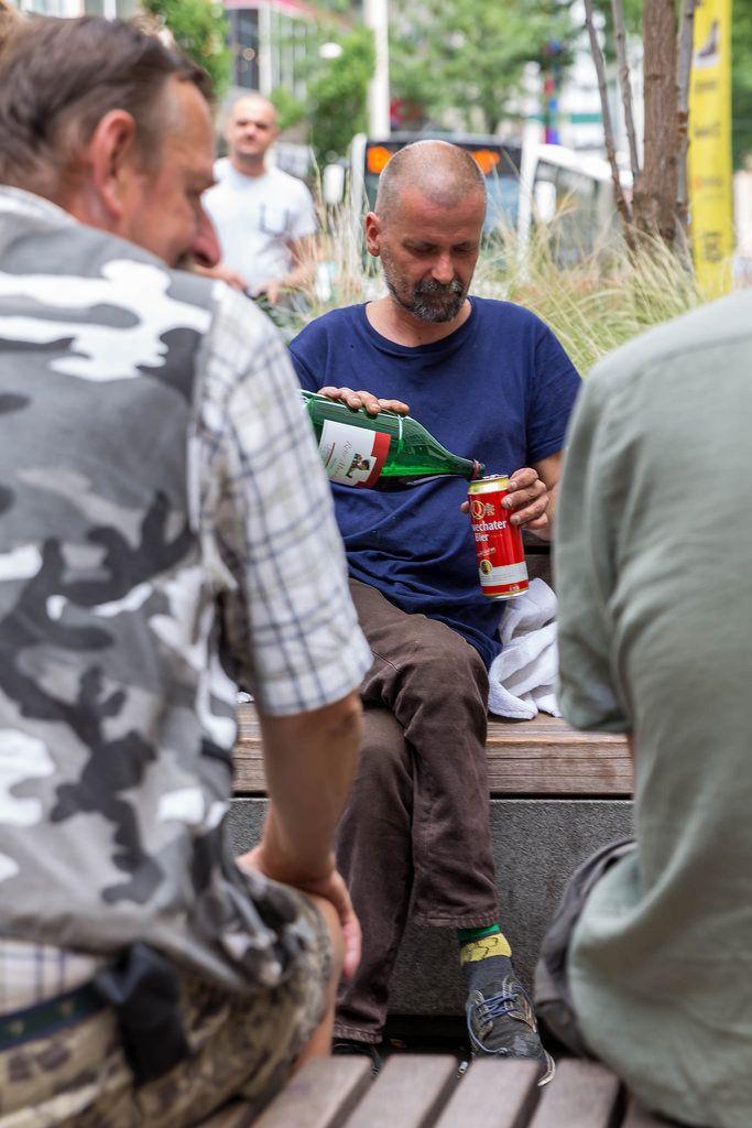 Obdachlosigkeit und Alkoholismus in Deutschland und Österreich