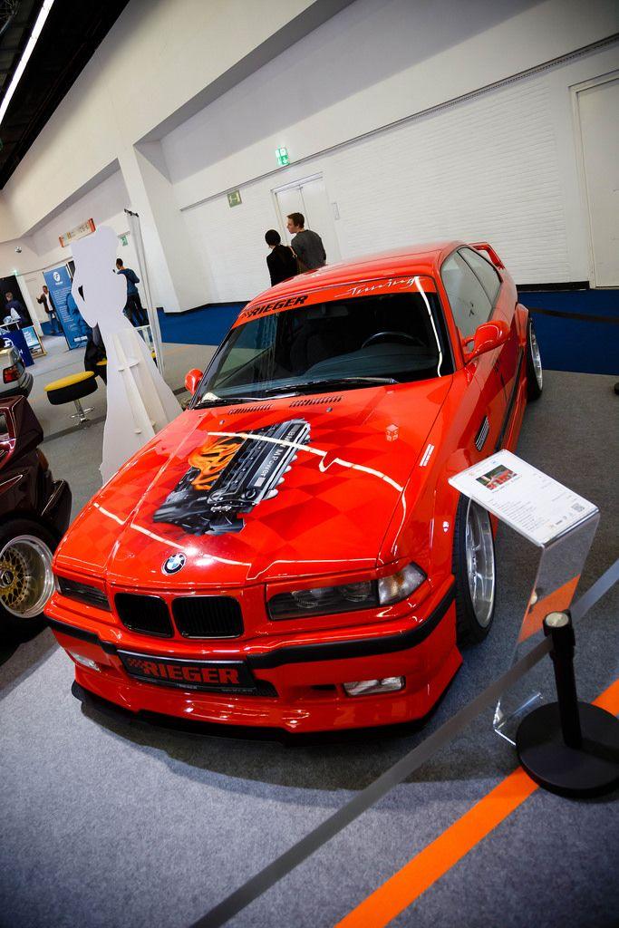 Oldtimer BMW E36 Brietbau II auf der Ausstellung