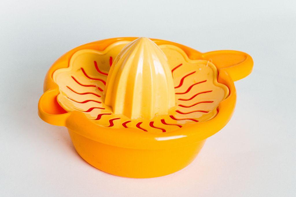 Orangenpresse mit Kegel