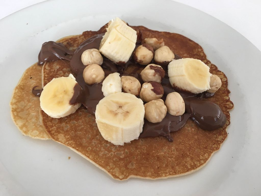 Pancakes with Nutella, Nuts and Banana