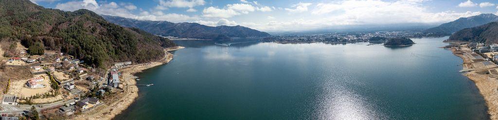 Panorama des Sees Ashi in der Präfektur Kanagawa, Japan