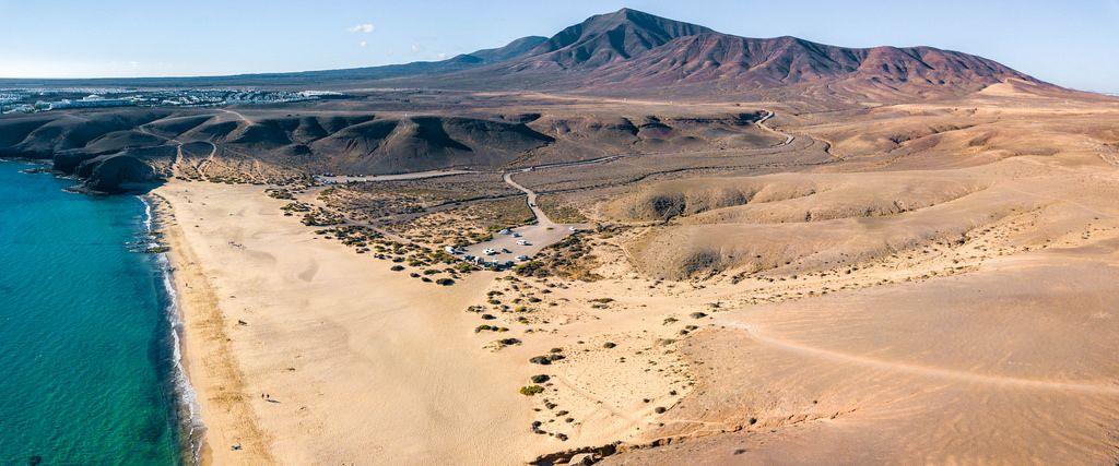 Panorama of Playa de Papagayo beach / Panorama von Strand Playa de Papagayo