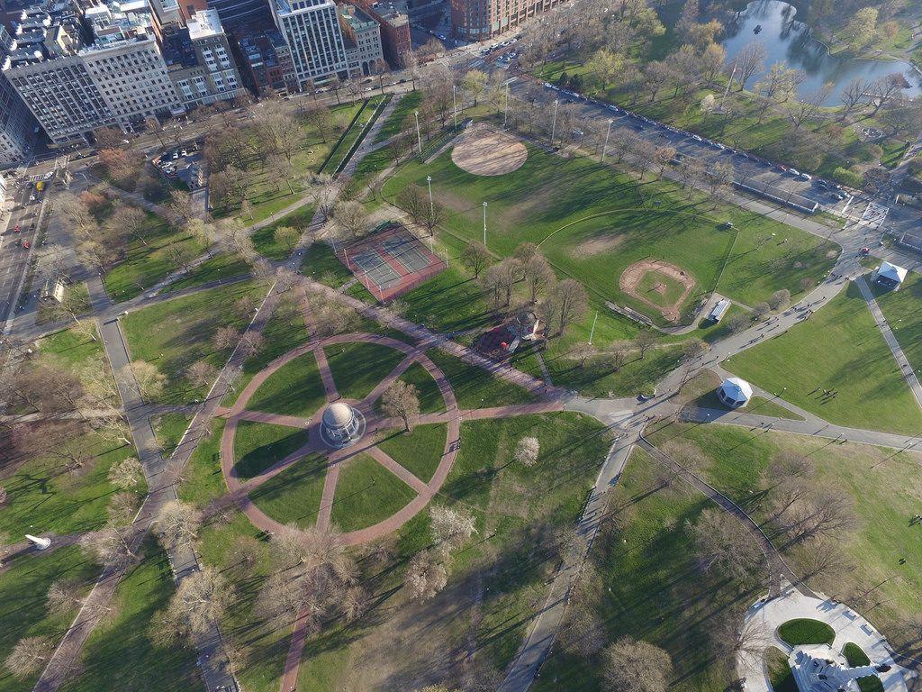 Park aus der Vogelperspektive (Drohnenfoto) in Boston, USA