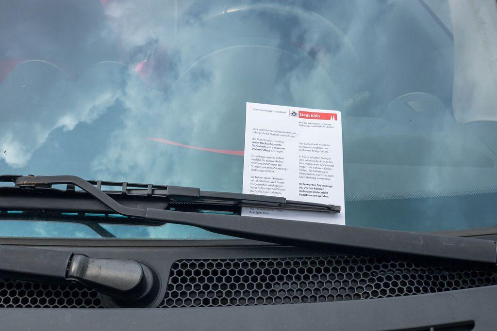 Parkverbot in Köln: Knöllchen bekommen (Strafzettel)