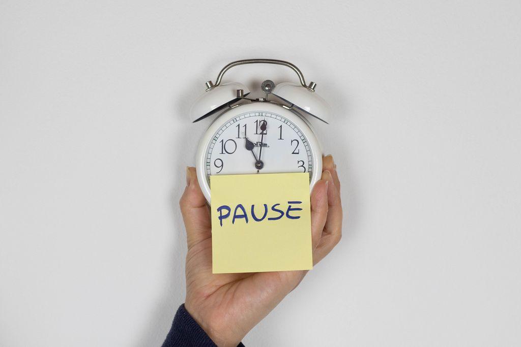 Pause word on alarm clock
