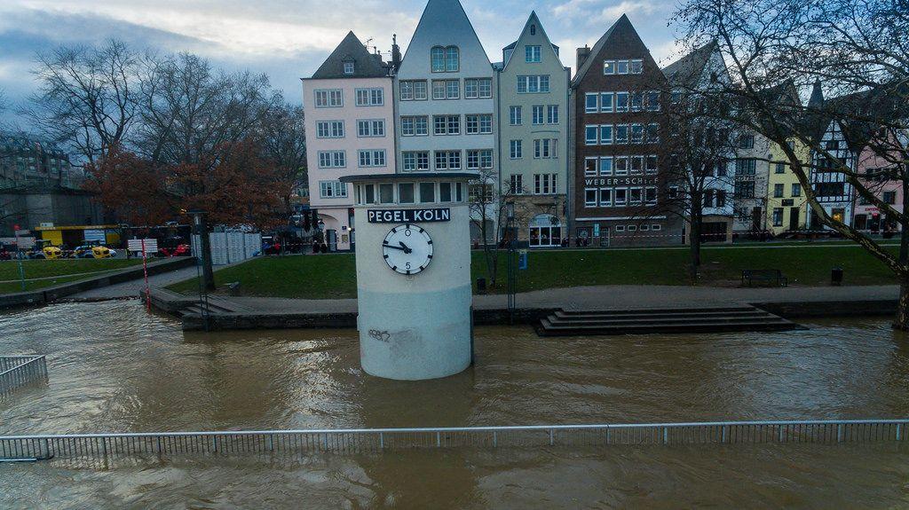 Pegel Köln bei hohem Wasserpegel