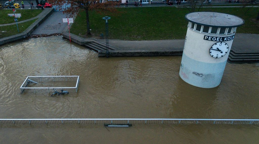 Pegel Köln und überflutete Uferflächen - Drohnenfoto