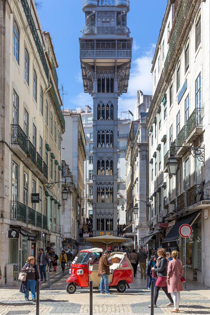 Personenaufzug Elevador de Santa Justa in Lissabon, Portugal