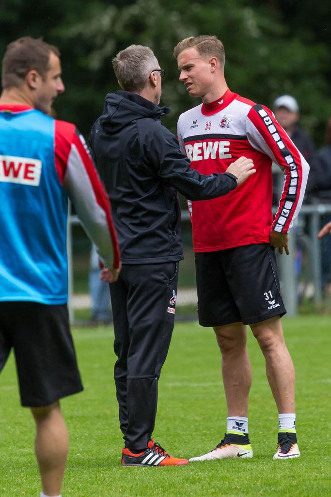 Peter Stöger mit Yannick Gerhardt