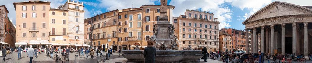 Piazza della Rotonda und Pantheon