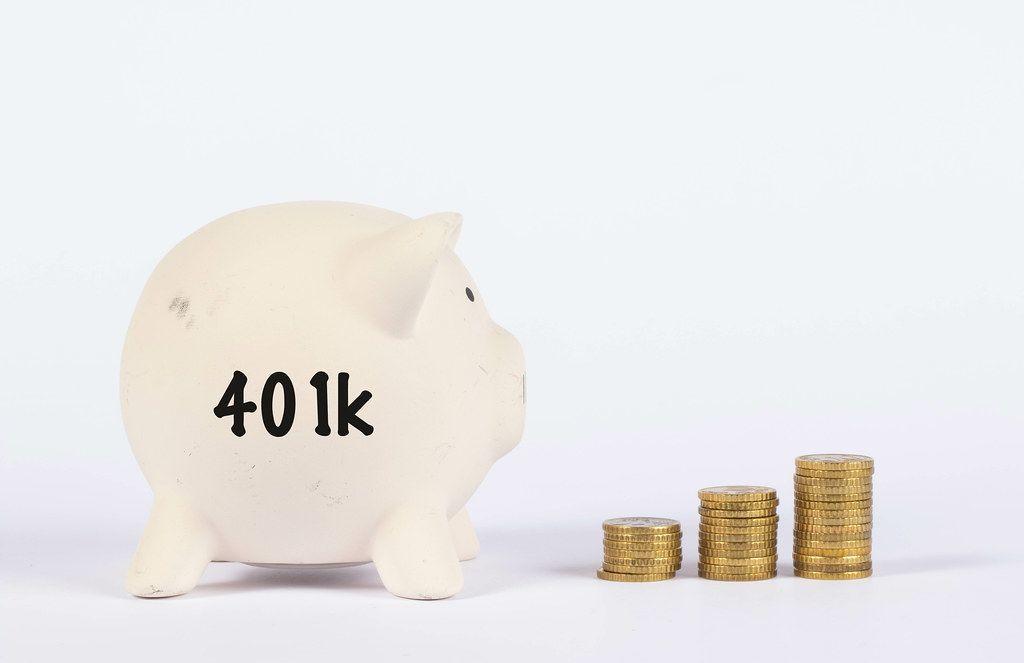 Piggy bank with 401k text