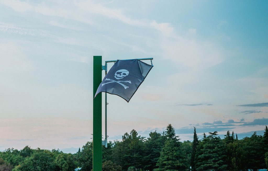 Piratenflagge im Wind