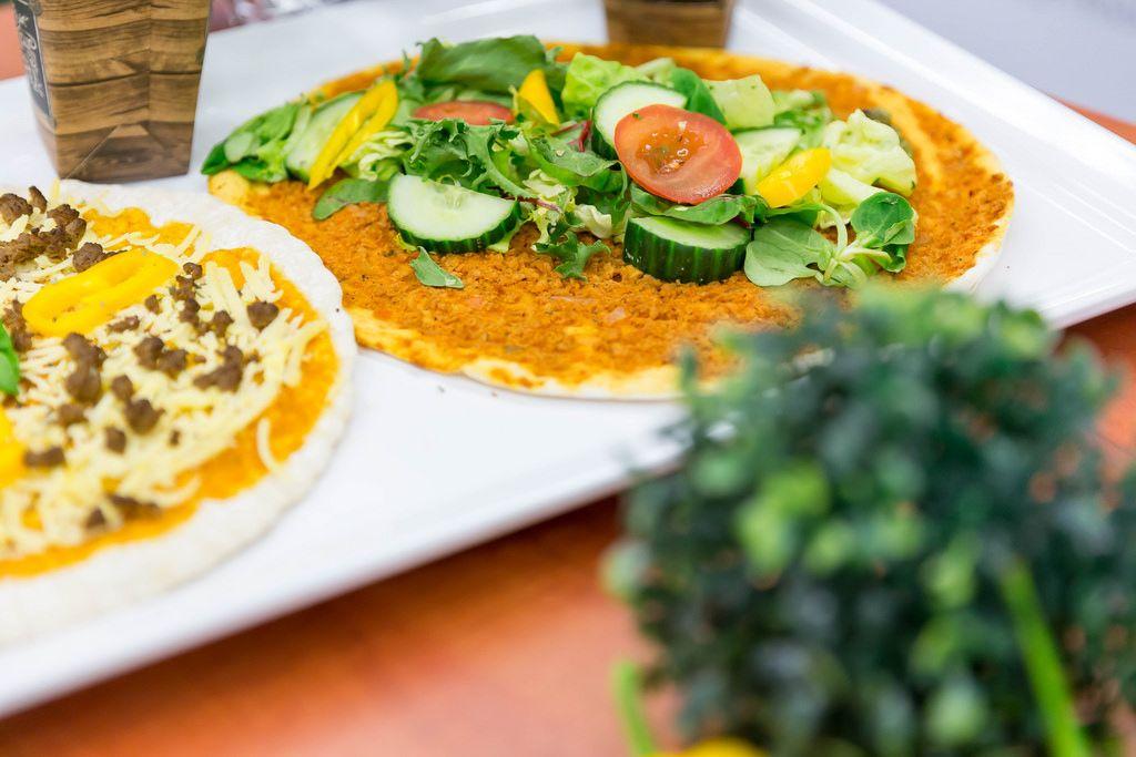 Pizza mit frischem Gemüse