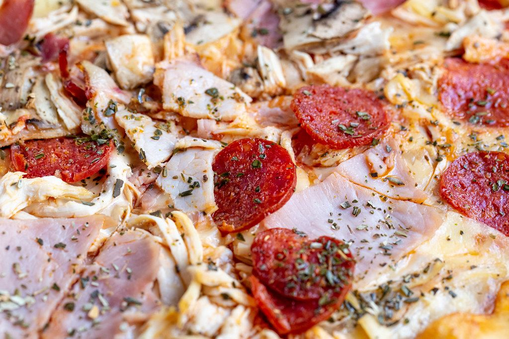 Pizza-with-smoked-cured-sausage-close-up.jpg