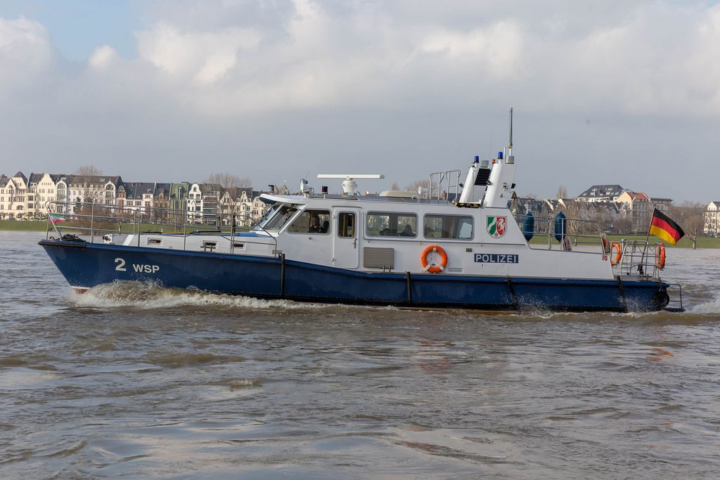 Polizeiboot auf dem Rhein