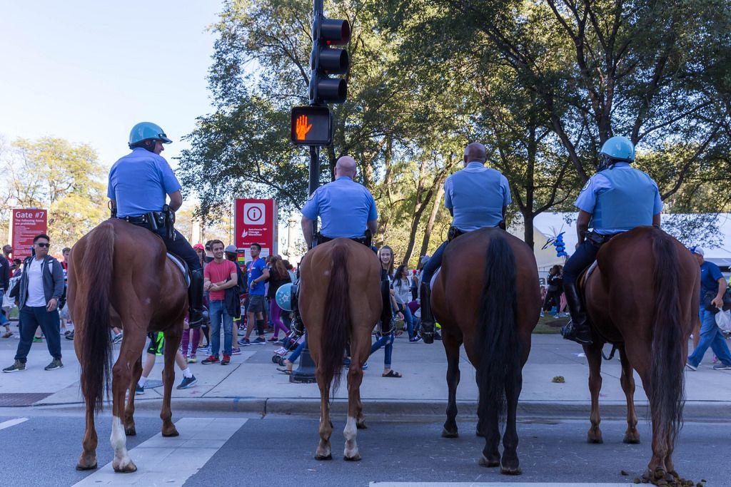 Polizisten auf Pferden in Chicago