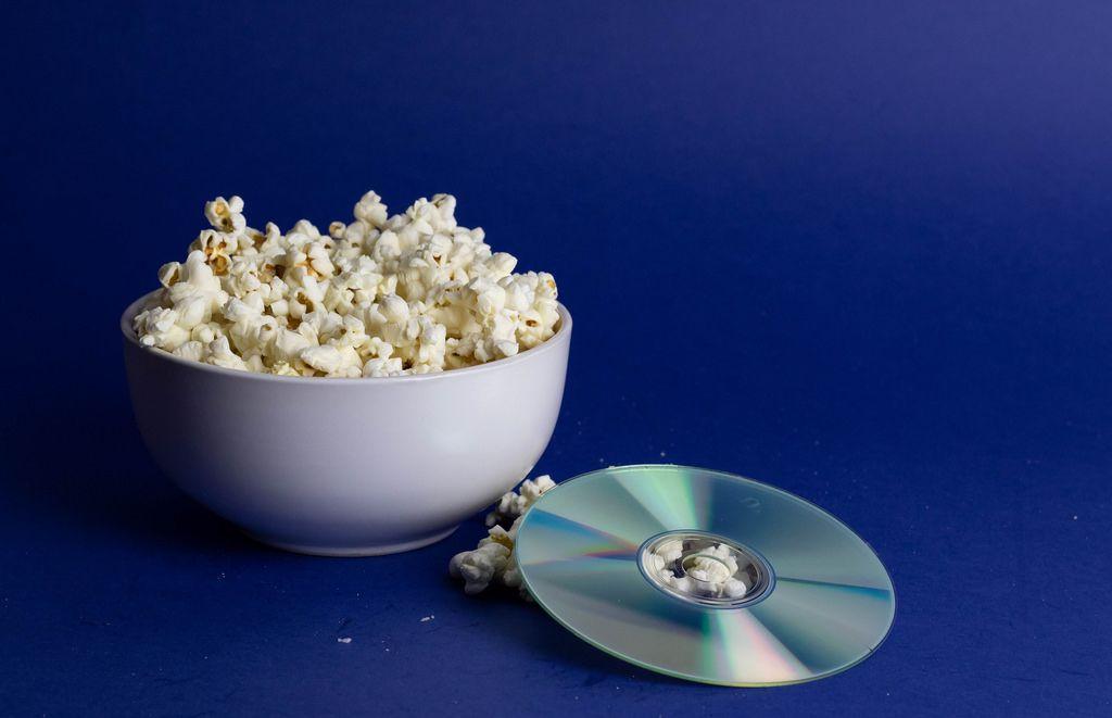 Popcorn und eine DVD