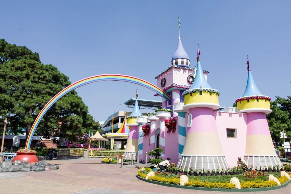 Princess castle with rainbow guiding to gold