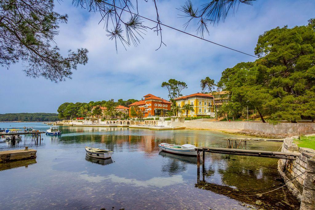 Quiet bay on island Losinj, Croatia