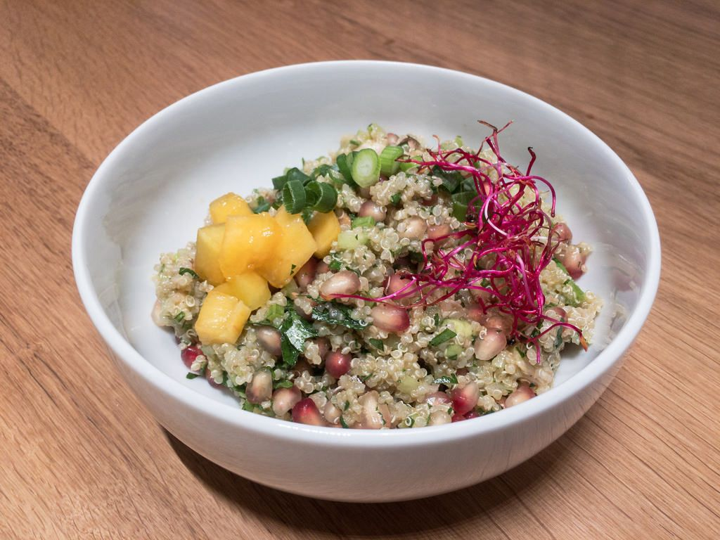 Quinoa-Hähnchen-Superfood-Salat im Maggi-Kochstudio Frankfurt.